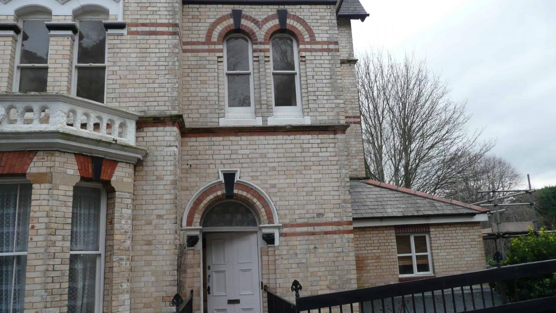 2 Bedroom Property, Torrs Park
